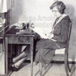Vicki Baum nel suo ufficio presso la casa editrice Ullstein